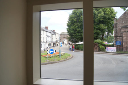 Ty price Monnow room view